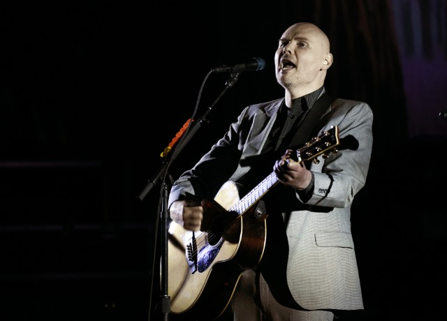 Billy-Corgan-1508764434-640x460.jpg